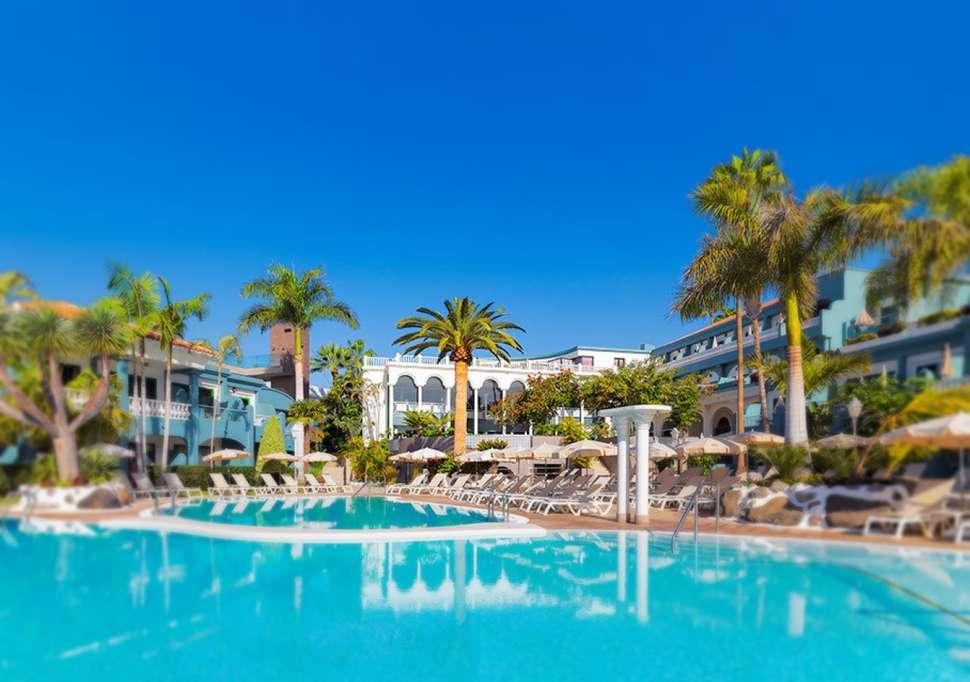 Tweede Zwembad Roca Nivaria Grand Hotel in Playa Paraiso, Tenerife