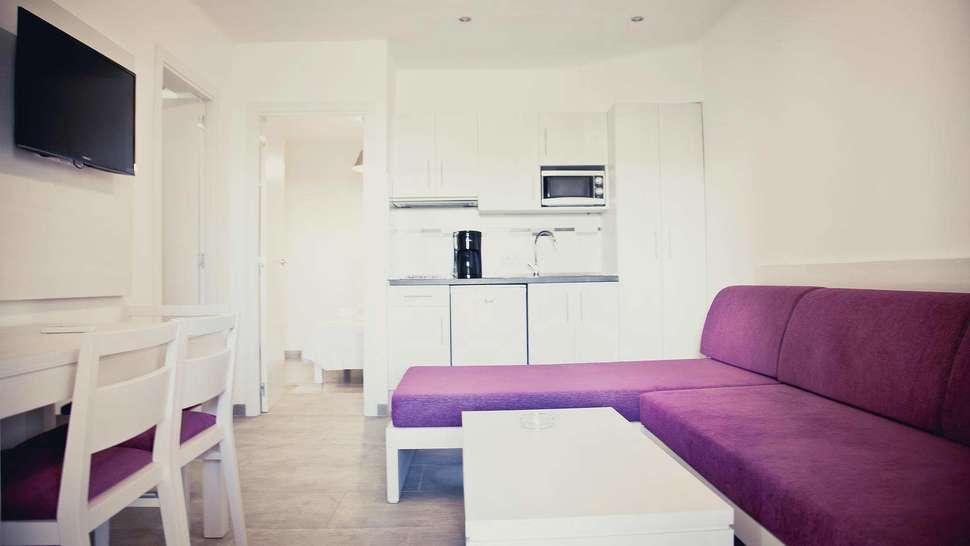 Keuken van appartement van Playa Ferrera in Cala d'Or, Mallorca