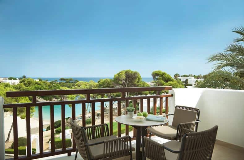 balkon van Inturotel Esmeralda Park in cala d'or, Mallorca