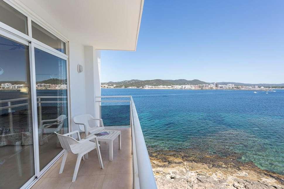 Balkon van hotelkamer van Fiesta Milord Hotel in Sant Antoni de Portmany, Ibiza