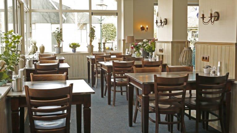 Ontbijtruimte in Hotelletje de Veerman in Oost-Vlieland, Vlieland