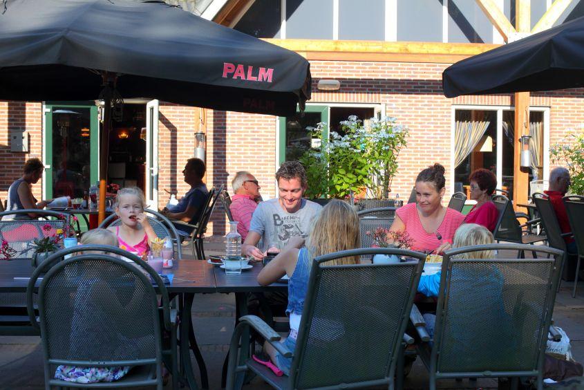 Uit eten op vakantiepark Het Hoge Zand in Hooghalen, Drenthe
