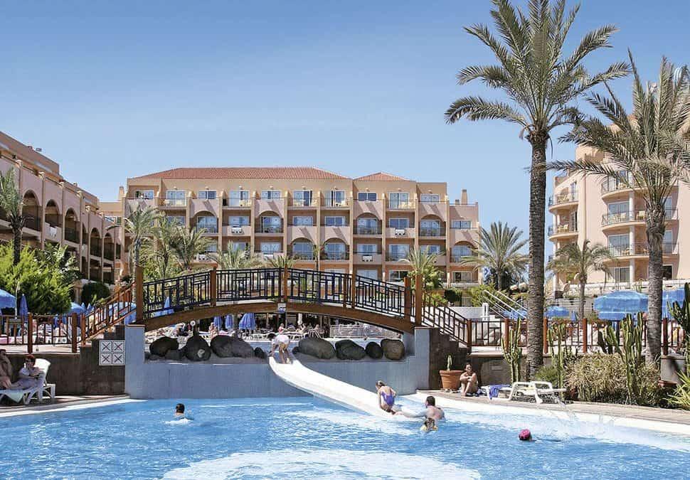 Zwembad en glijbaan van Hotel Dunas Mirador Maspalomas in Maspalomas, Gran Canaria