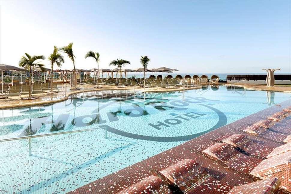 Zwembad van Hard Rock Hotel Tenerife in Playa Paraíso, Tenerife