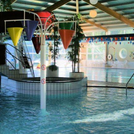 Zwembad van Vakantiepark Emslandermeer in Vlagtwedde, Groningen