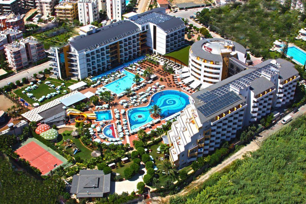 Zwembaden  van My Home Resort in Alanya, Turkije