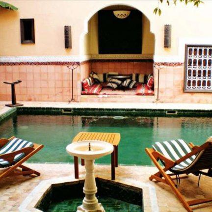 Zwembad van Riad Barroko in Marrakech, Marokko