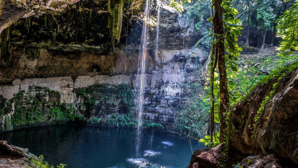 Cenote Zaci in Valladolid op het schiereiland Yucatan, Mexico