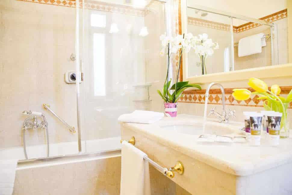 Badkamer van hotel mercure milano regency in milaan