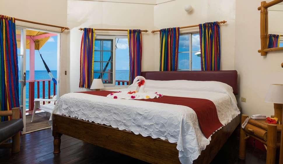 Hotelkamer van Samsara Cliffs hotel in Negril, Jamaica