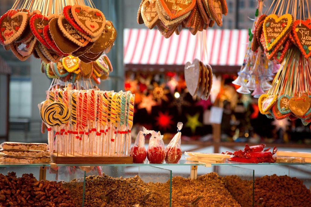 Snoepjes op de kerstmarkt in Duitsland