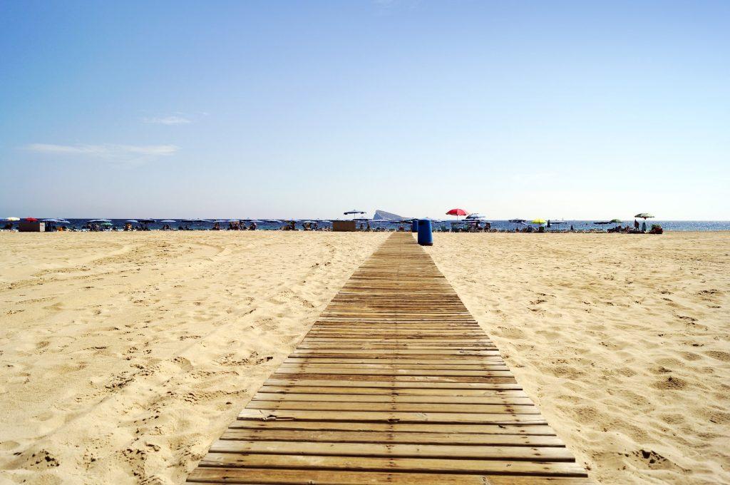 Strand van Benidorm in Spanje