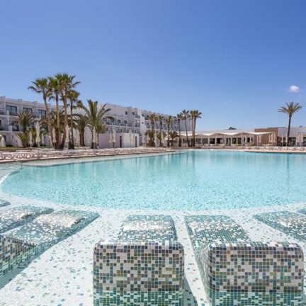 Grand Palladium White Island in Playa d'en Bossa, Ibiza