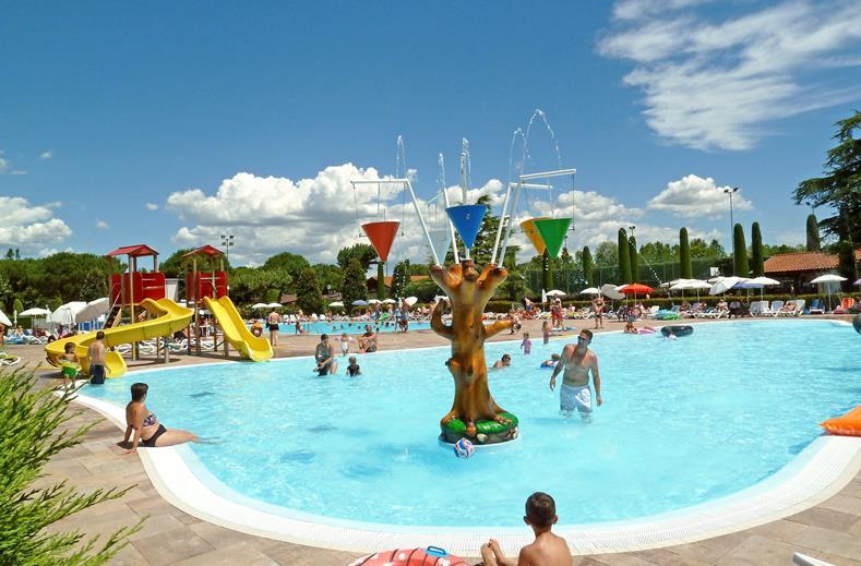Kinderbad van Del Garda Village en Camping in Peschiera del Garda, Italië