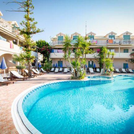 Zwembad van Pierros in Agios Sostis, Zakynthos