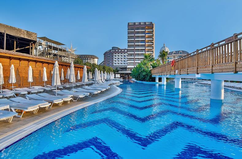 Saturn Palace Resort In Turkije