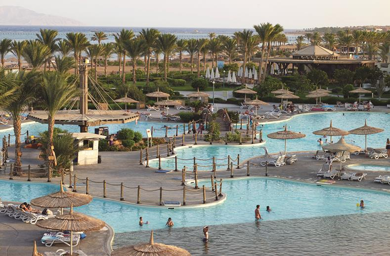 Zwembad van SPLASHWORLD Coral Sea Waterworld in Sharm el Sheikh, Egypte