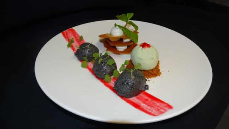 Dessert in Restaurant van Buitenherberg ter Linde in Zuidwolde, Drenthe
