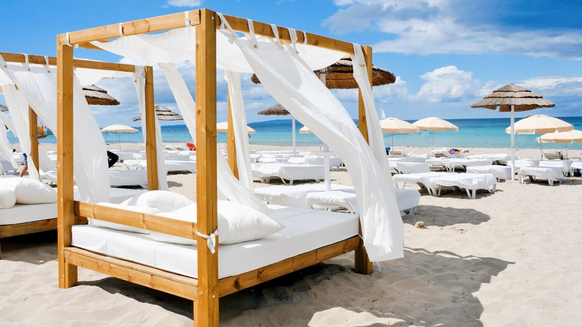 Club Bahamas in Playa d'en Bossa, Ibiza