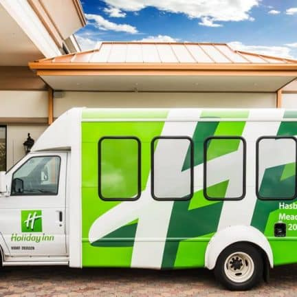 Shuttlebus van Holiday Inn Hasbrouck Heights in New Jersey, Verenigde Staten