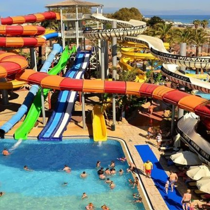 Waterpark van Long Beach Resort en Spa in Alanya, Turkije