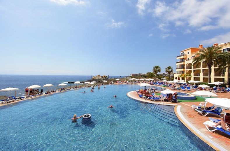 Zwembaden van Bahia Principe Costa Adeje in Playa Paraiso, Tenerife