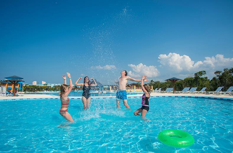 Zwembad van Fiesta Americana Holguin Costa Verde in Playa Pesquero, Cuba