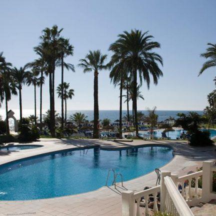 Zwembad van Hotel Triton in Benalmadena, Spanje