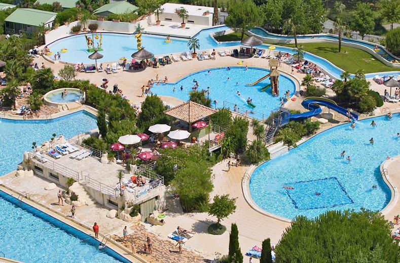 Zwembaden van Camping Sequoia Parc in St. Just Luzac, Frankrijk