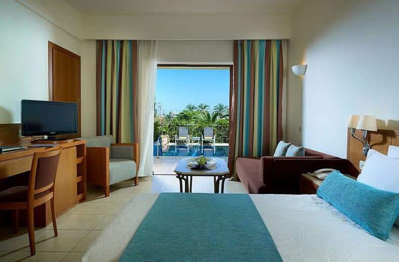 Hotelkamer van Minoa Palace Resort en Spa in Platanias, Kreta