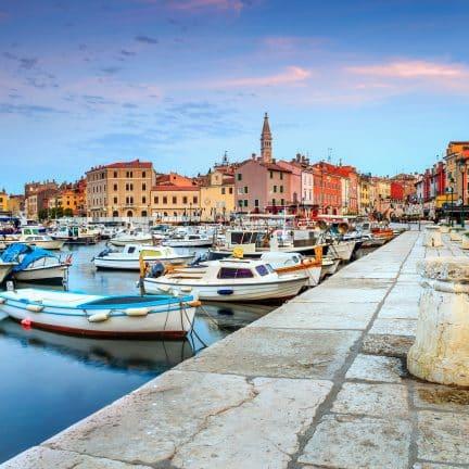 Zonsopgang in Rovinj in Istrië, Kroatië