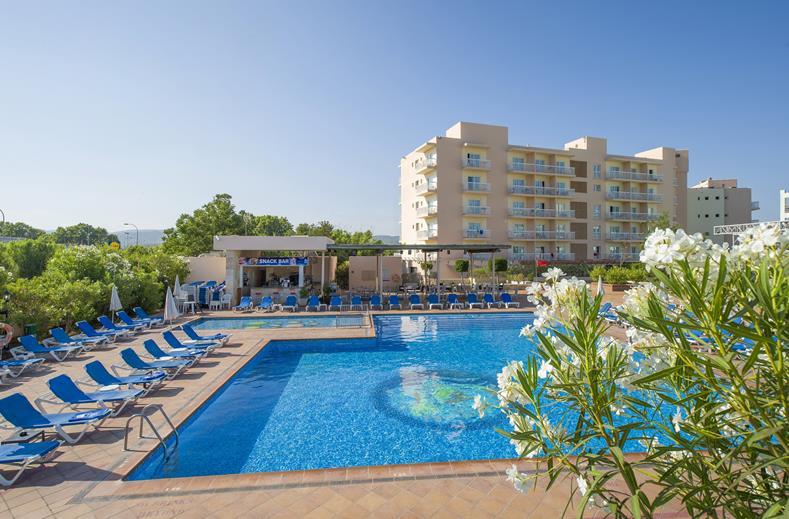 Invisa Hotel Es Pla in San Antonio, Ibiza