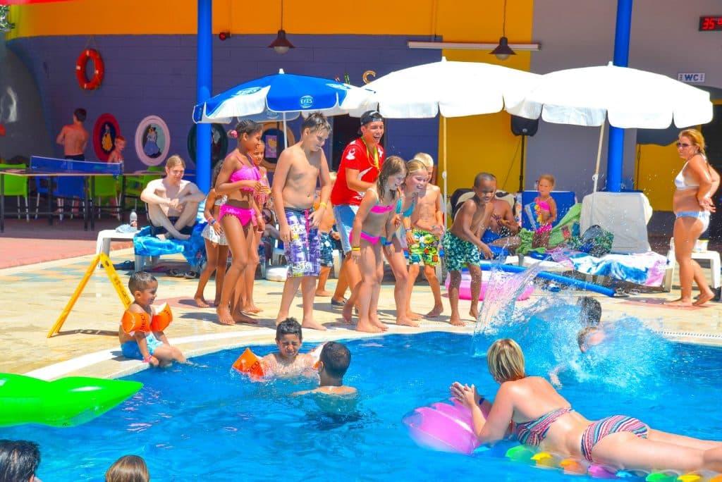 Kinderen van Ark apart en suite hotel in Alanya, Turkije
