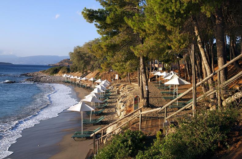 Strand van Aparthotel Candia Park Village in Agios Nikolaos, Kreta