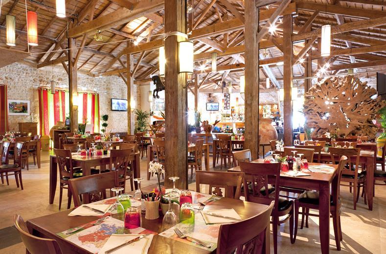 Restaurant van Camping Sequoia Parc in St. Just Luzac, Frankrijk