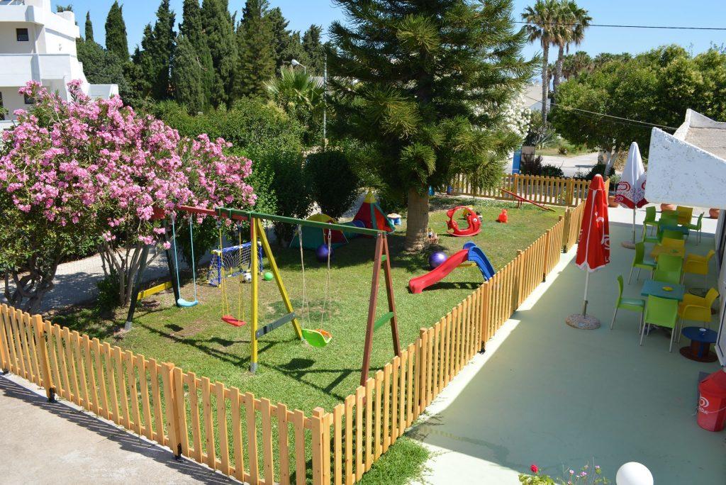 Speeltuin van Yannis Appartementen in Psalidi, Kos