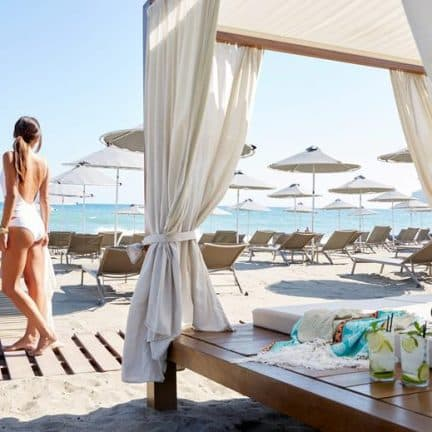 Strand van Minoa Palace Resort en Spa in Platanias, Kreta
