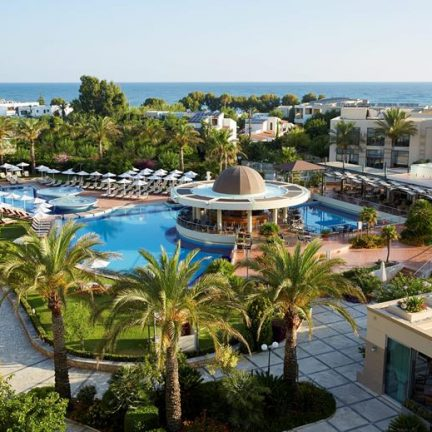 Zwembaden van Minoa Palace Resort en Spa in Platanias, Kreta
