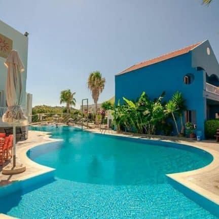 Zwembad van Appartementen Valsami in Kremasti, Rhodos