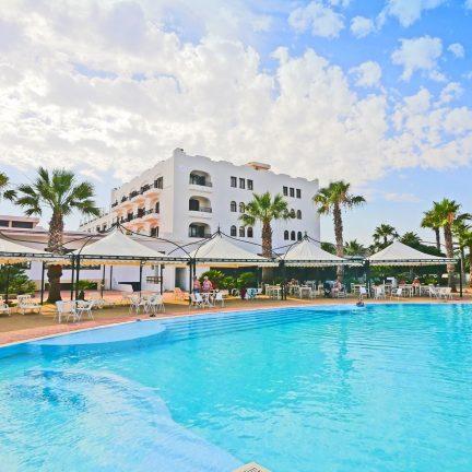 Zwembad van Hotel Baia d'Oro in licata, Sicilië