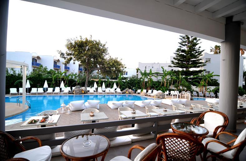 Zwembad van Hotel Palm Beach in Kos-Stad, Kos