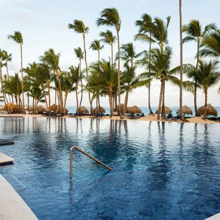 Zwembad van Hotel Royalton Punta Cana in Punta Cana, Dominicaanse Republiek