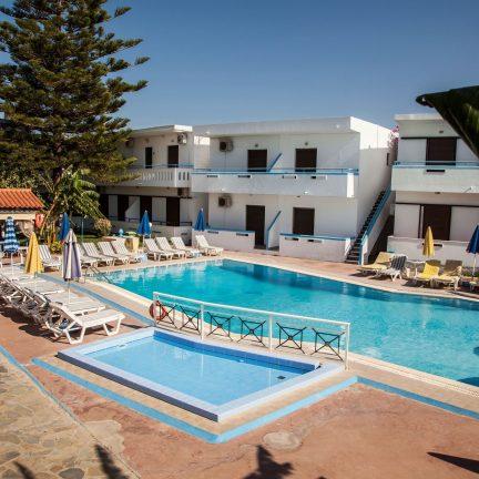 Zwembad van Yannis Appartementen in Psalidi, Kos