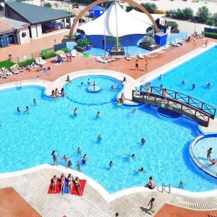 Zwembaden van Camping Spiaggia e Mare in Lido di Scacchi, Italië