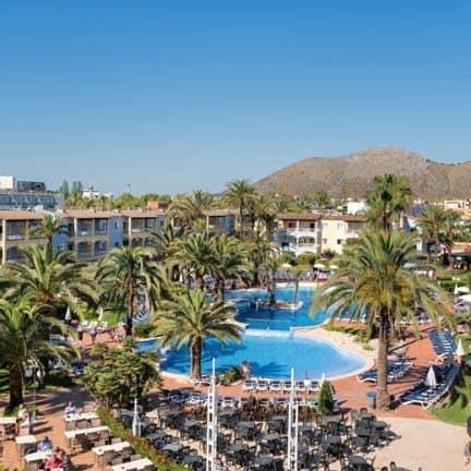 Zwembad van hotel Alcudia Garden in Alcudia, Mallorca