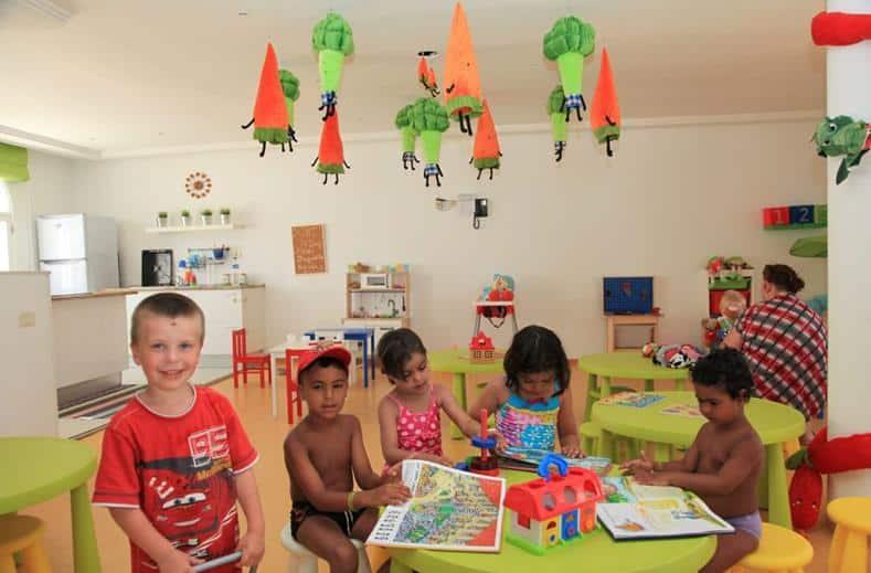 Kinderen van Hotel Samira Club in Hammamet, Tunesië