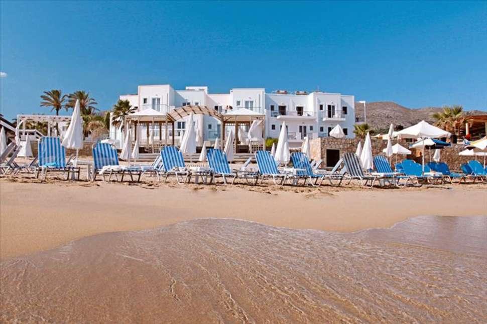 Strand van Appartementen Acrogiali in Malia, Kreta