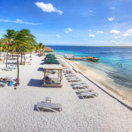 Strand van Eden Beach Resort in Kralendijk, Bonaire