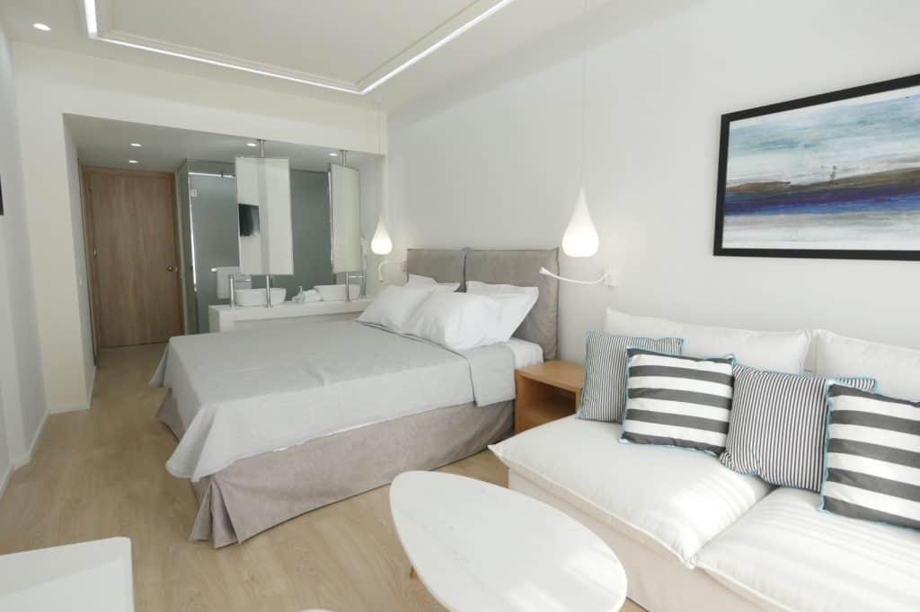 Hotelkamer van Samian Mare Hotel Suites & Spa in Karlovassi, Samos