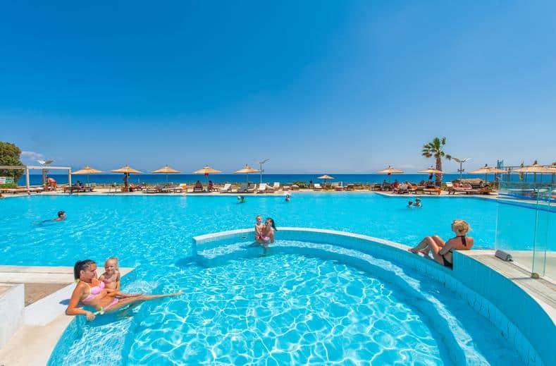 Zwembad van Hotel Akti Palace in Kardamena, Kos